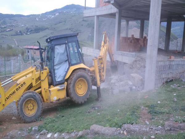اجرای یک فقره حکم تخریب بنای غیرمجاز در کلاردشت